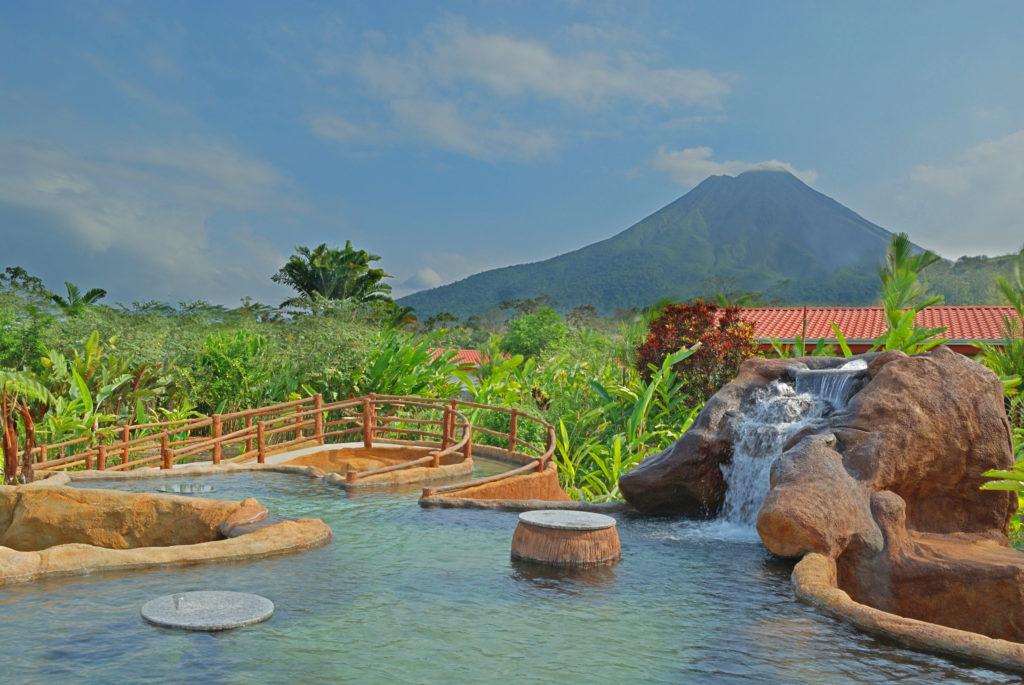 Volcano Lodge & Spring