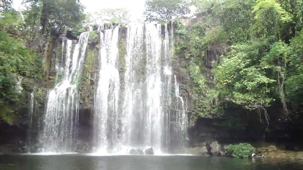 Costa Rica adventure to Llanos de Cortez Waterfall
